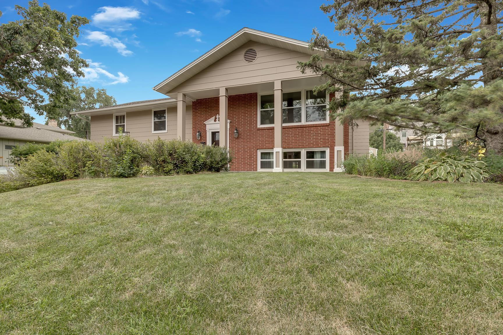 1559 Pennsylvania Avenue N Property Photo - Golden Valley, MN real estate listing
