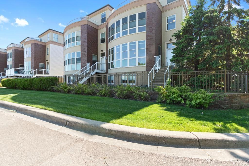 2405 River Pointe #13 Property Photo - Minneapolis, MN real estate listing