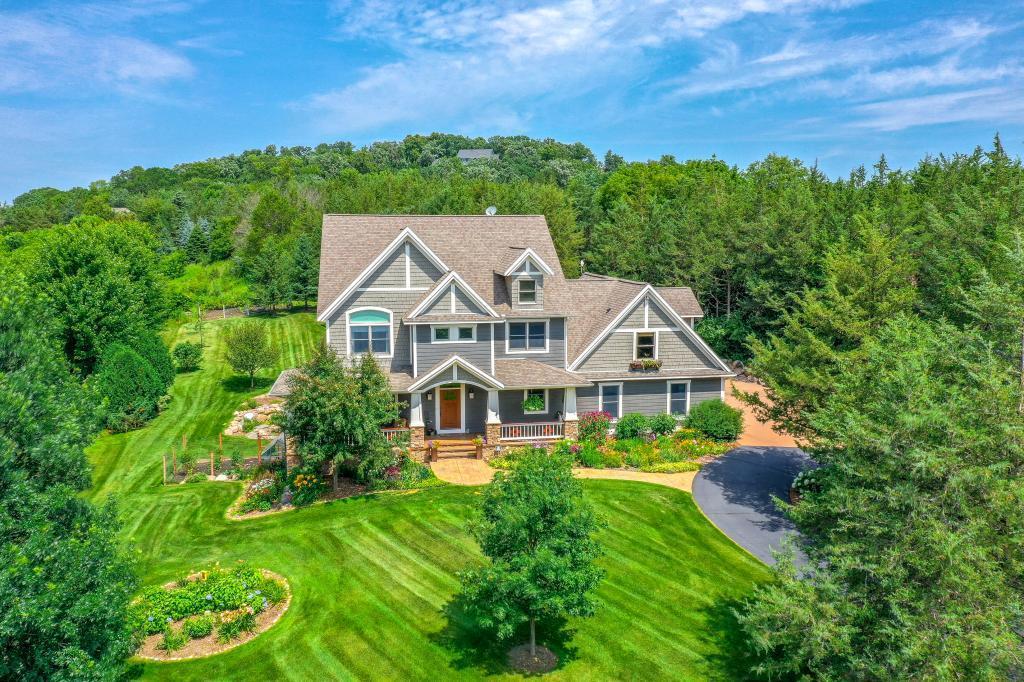 484 E Cove Road Property Photo - Hudson, WI real estate listing
