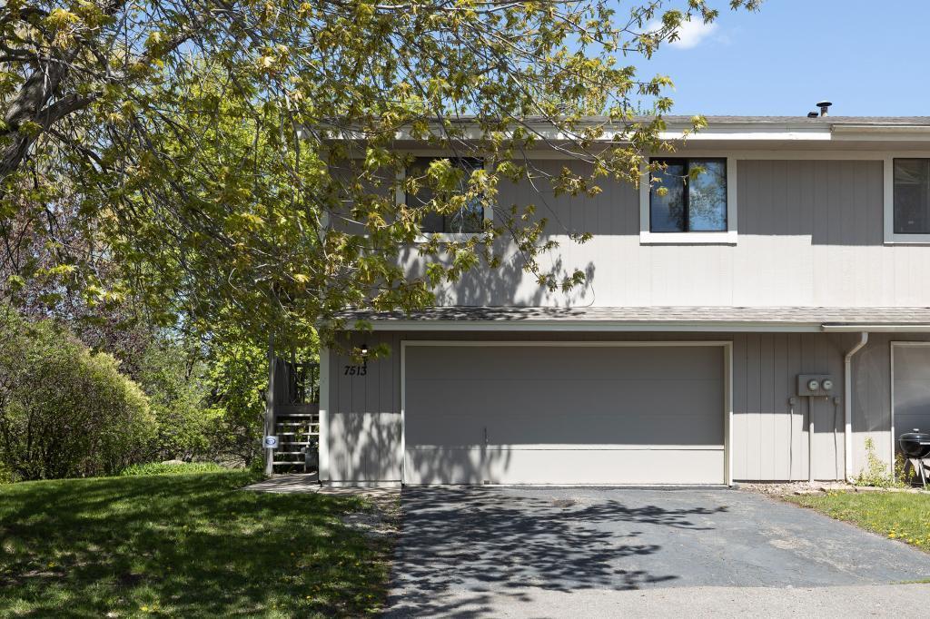 7513 Upper 167th W Property Photo