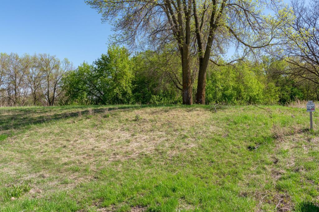735 Lakeview Parkway Property Photo 1