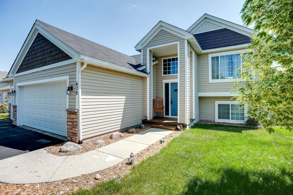 620 Dillon Avenue N Property Photo - Montrose, MN real estate listing
