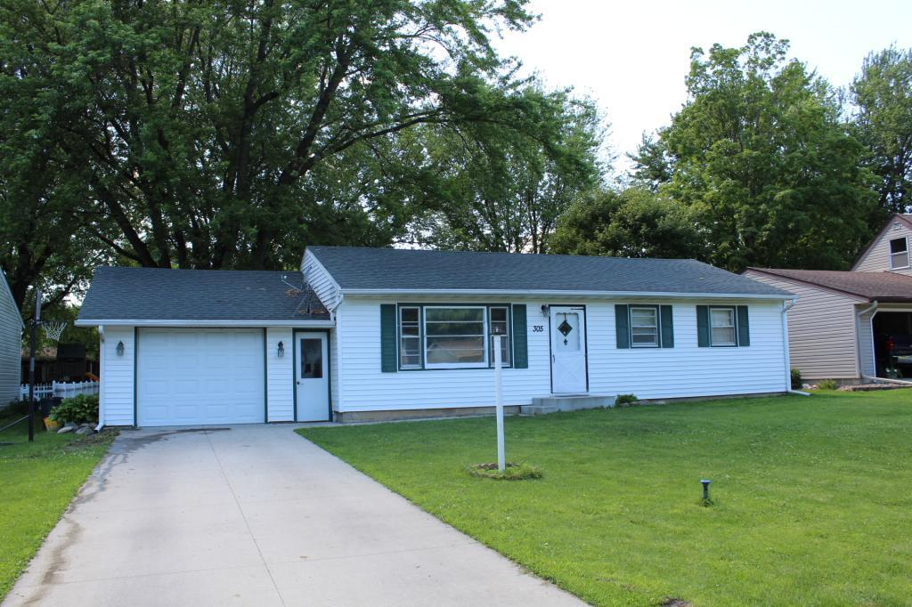 305 7th NW Property Photo