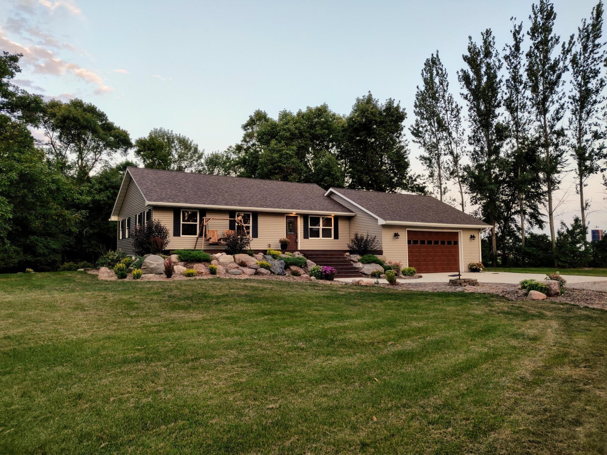 56045 Real Estate Listings Main Image