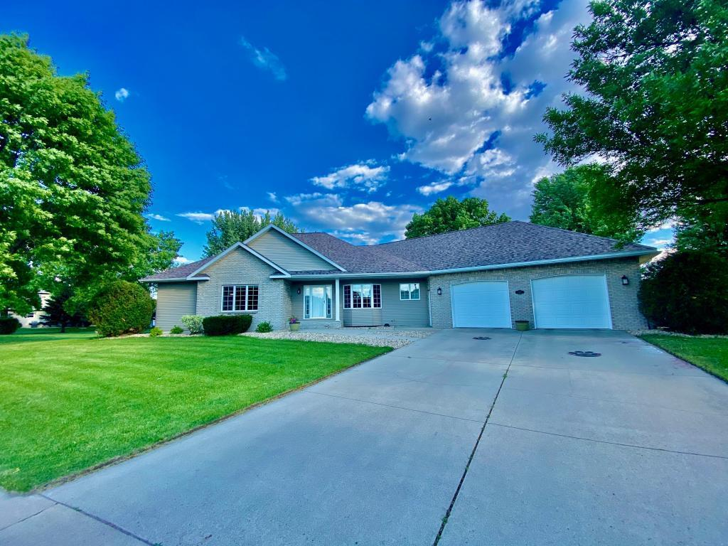 805 Lawrence Property Photo - Marshall, MN real estate listing