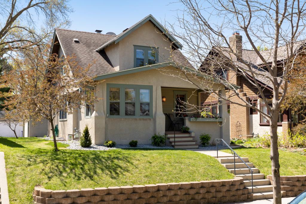 1670 Jefferson Property Photo - Saint Paul, MN real estate listing