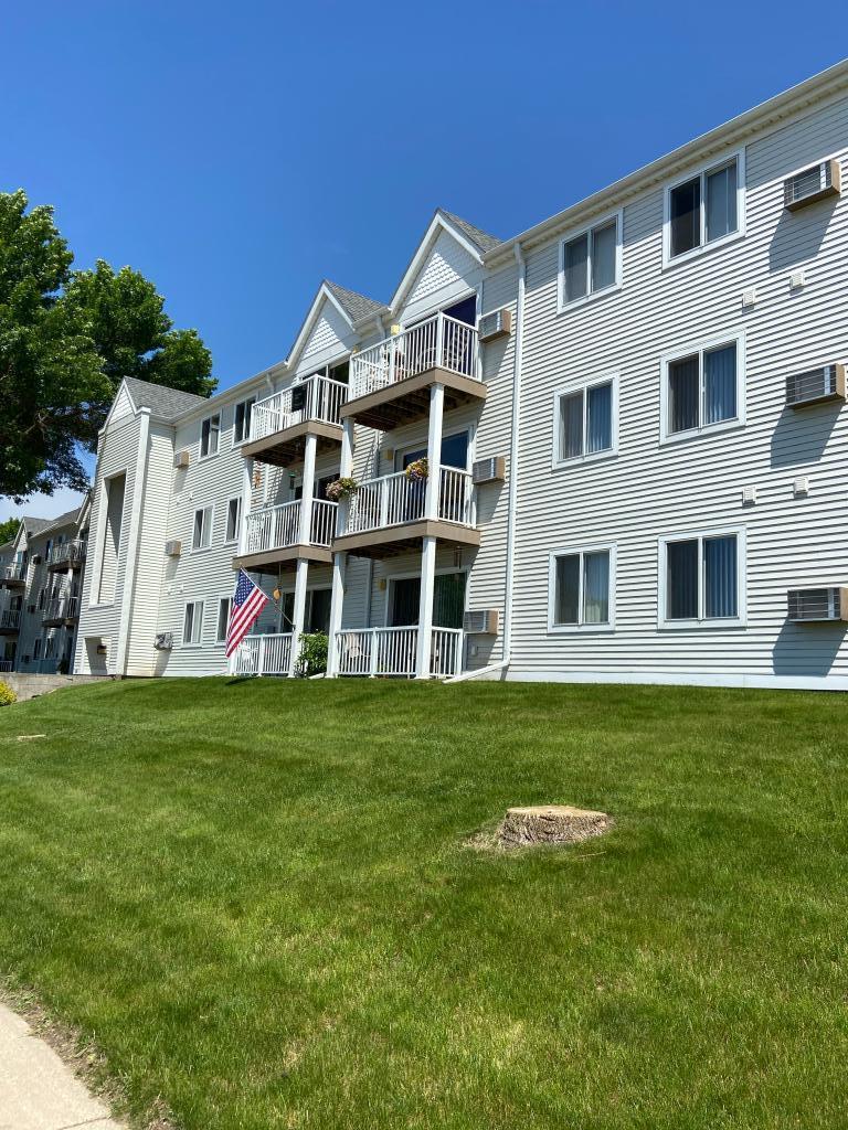 101 Albion #304 Property Photo - Fairmont, MN real estate listing