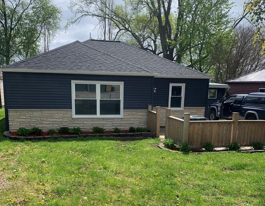408 2nd SE Property Photo - West Bend, IA real estate listing