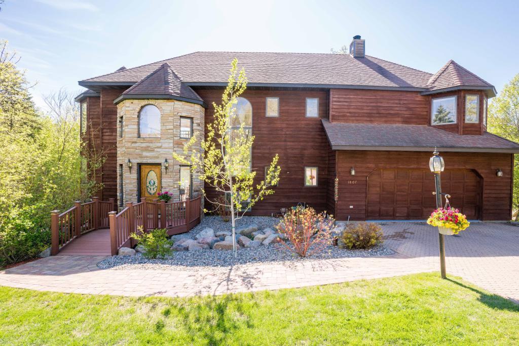 1807 Minnehuta Drive Property Photo - Fergus Falls, MN real estate listing