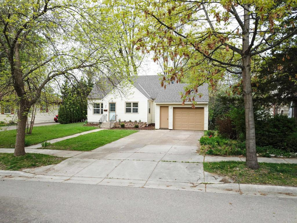 205 3rd NW Property Photo - Buffalo, MN real estate listing