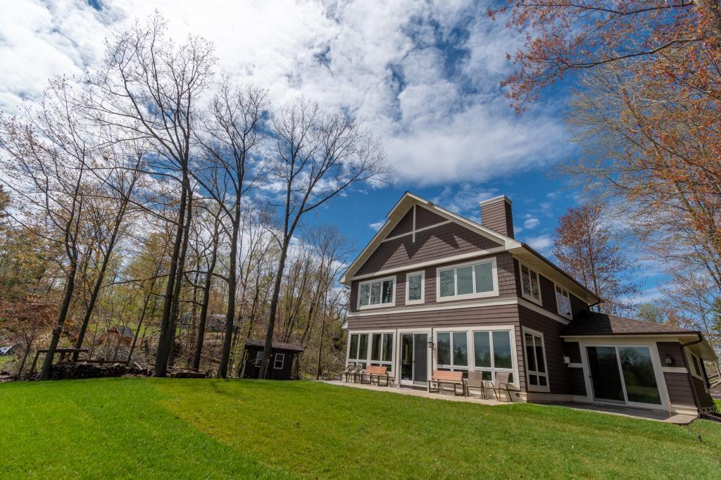 1674 1/2 Property Photo - Almena, WI real estate listing