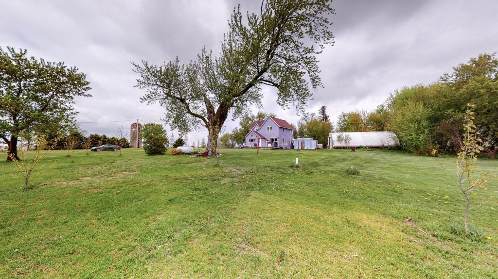 85418 330th Property Photo - Ellendale, MN real estate listing