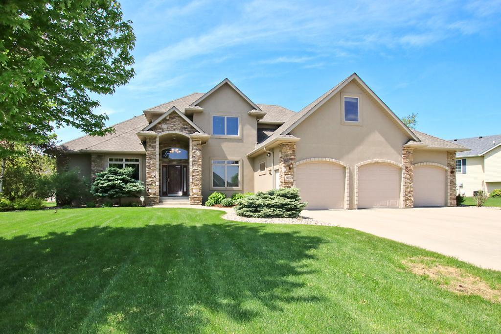 1040 W Shore Drive SW Property Photo - Hutchinson, MN real estate listing