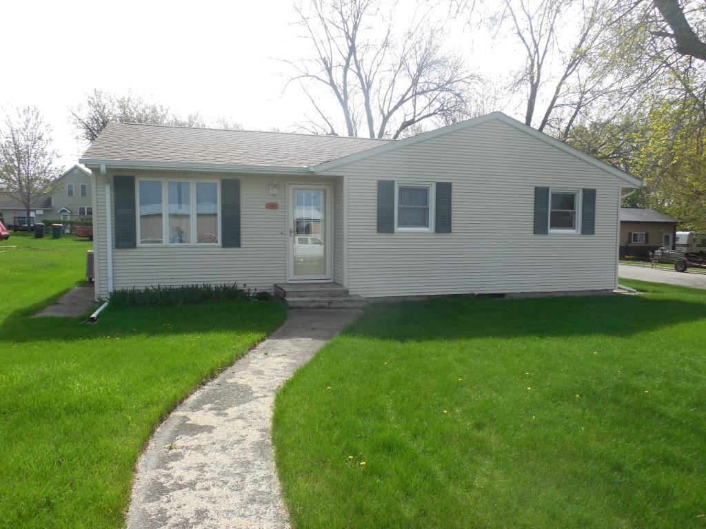 204 Wallace Property Photo - Ivanhoe, MN real estate listing