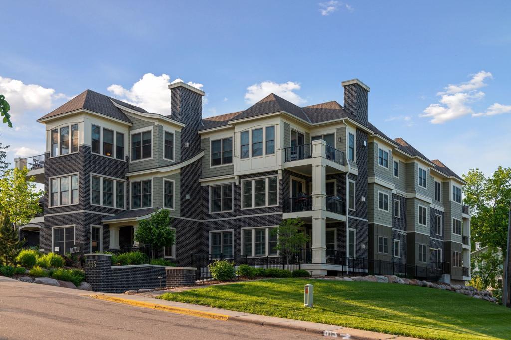, Wayzata, MN 55391 - Wayzata, MN real estate listing