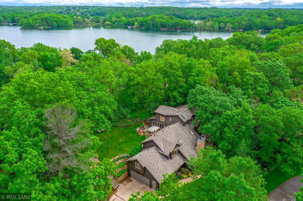 4430 Holm Oak N Property Photo - Oakdale, MN real estate listing