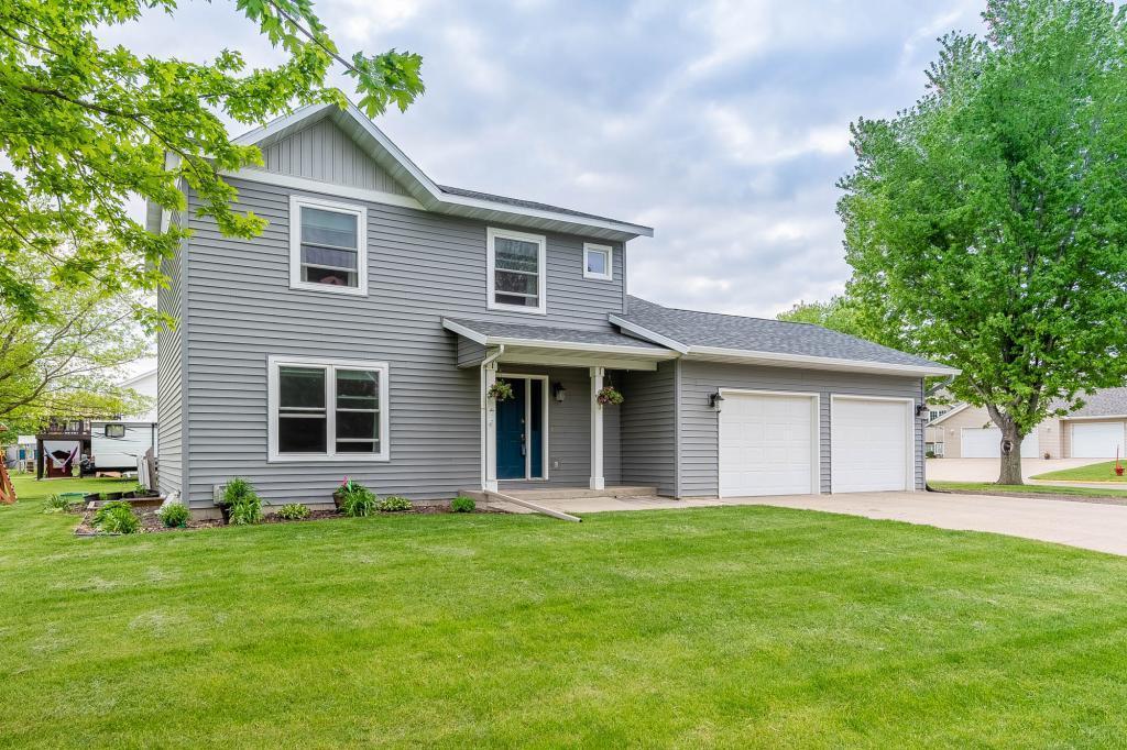 603 E Nathan Street Property Photo - Lake Crystal, MN real estate listing