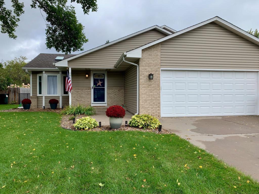 1089 98th NE Property Photo - Blaine, MN real estate listing