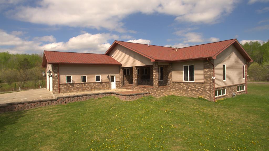 401 E Hawkins Avenue Property Photo - Nashwauk, MN real estate listing