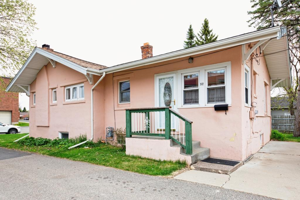512 Roberts Avenue Property Photo - Nashwauk, MN real estate listing