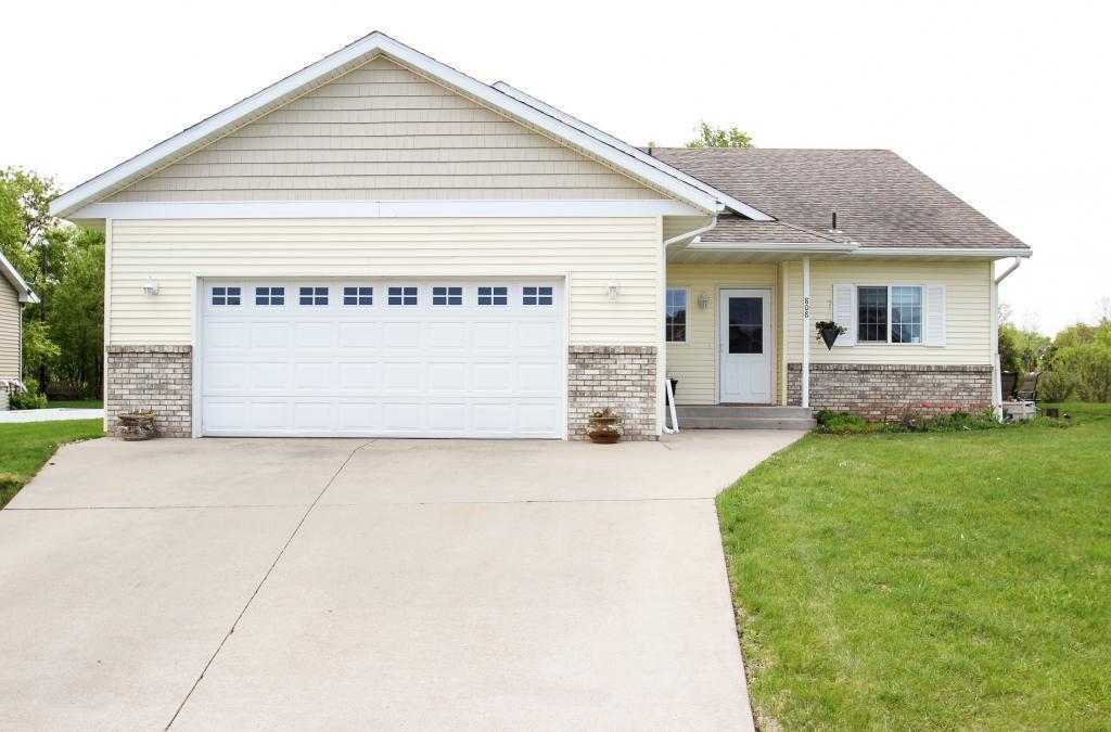 808 3rd SE Property Photo