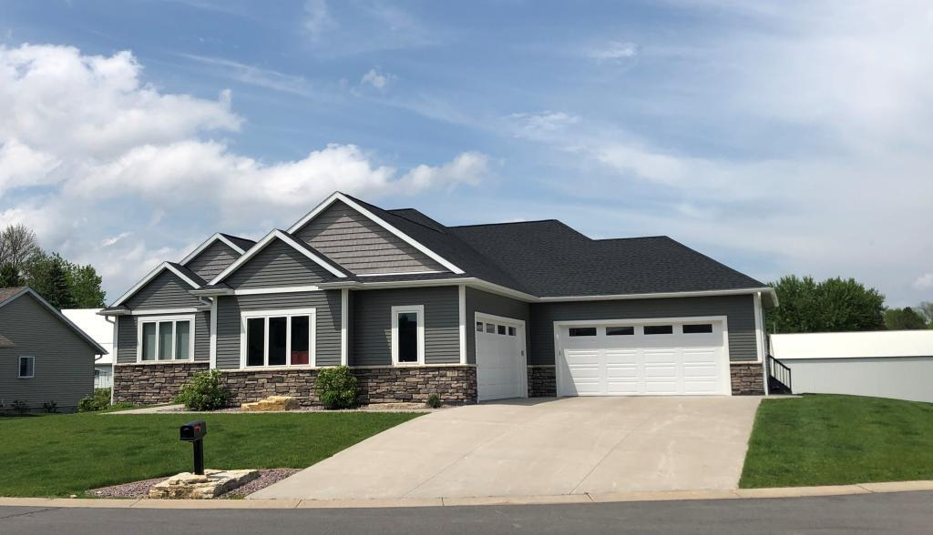 330 3rd SE Property Photo - Plainview, MN real estate listing