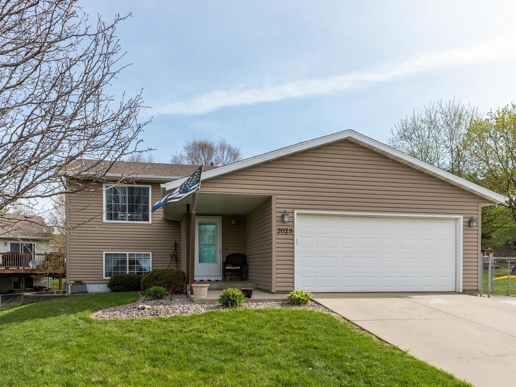 2023 27th SE Property Photo - Rochester, MN real estate listing