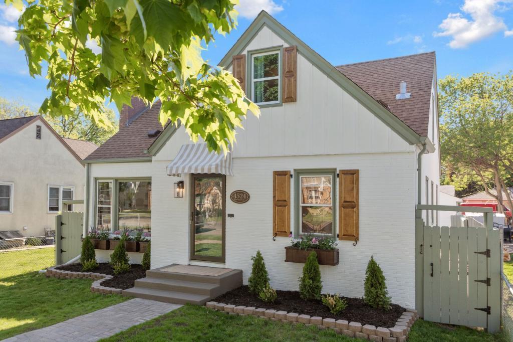 4524 Portland Property Photo