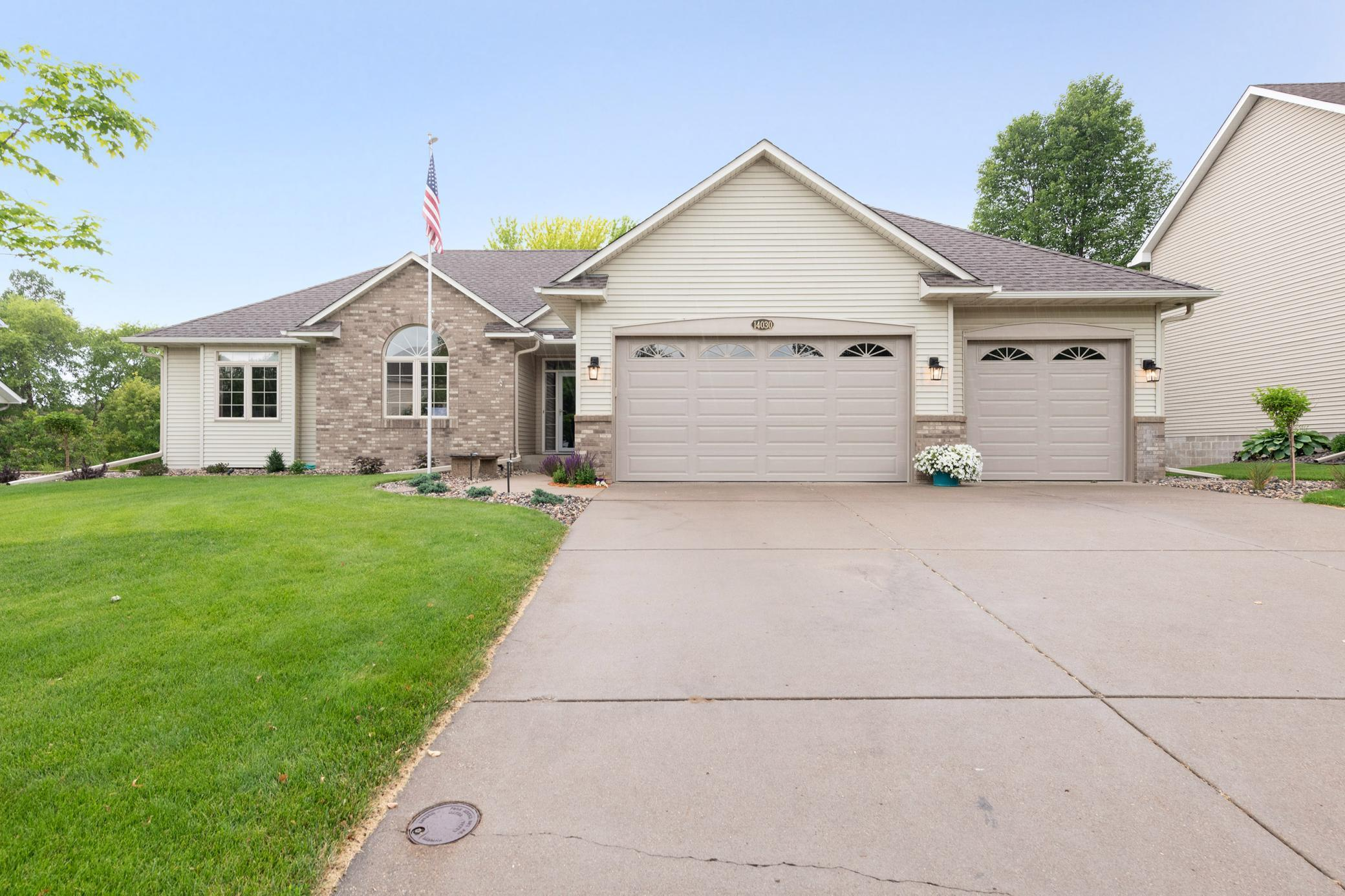 14030 Flintwood, Apple Valley, MN 55124 - Apple Valley, MN real estate listing