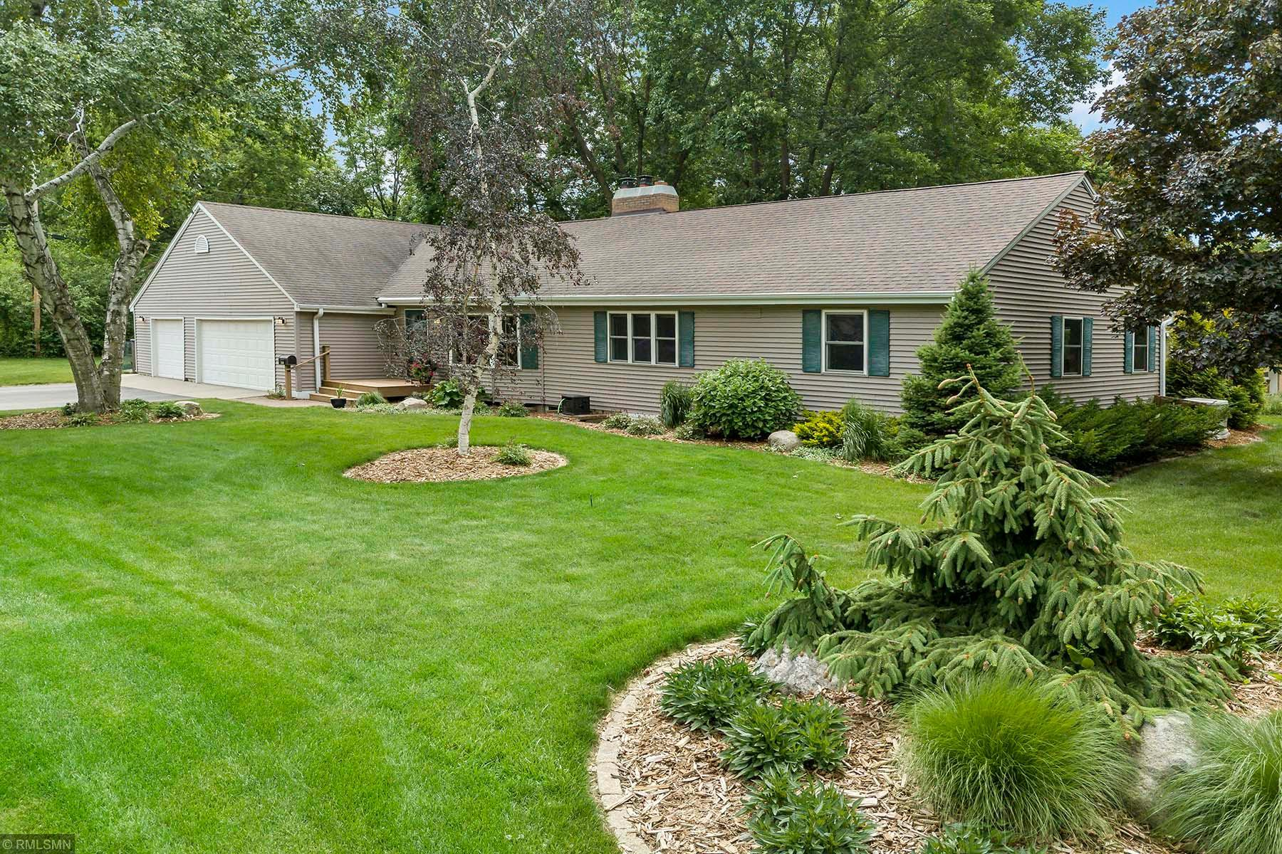 760 Grant Property Photo - Excelsior, MN real estate listing