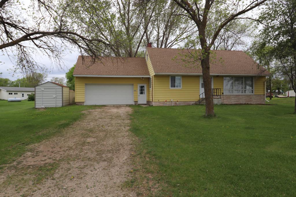17577 Price Avenue Property Photo