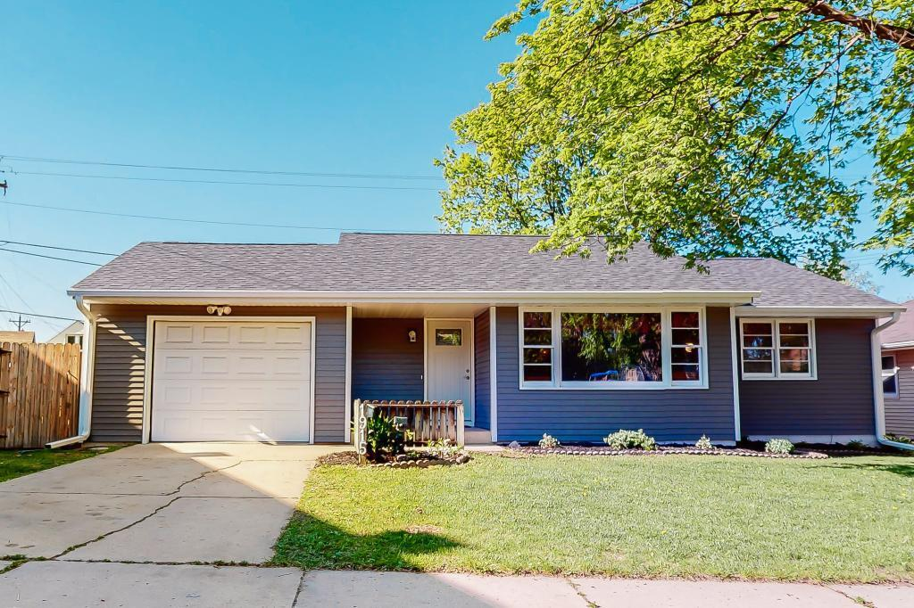 1915 26th NW, Rochester, MN 55901 - Rochester, MN real estate listing
