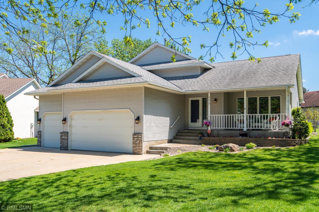 572 Sextant W, Roseville, MN 55113 - Roseville, MN real estate listing
