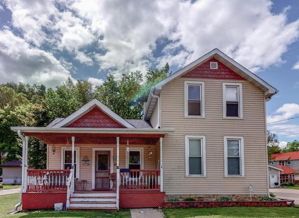 Aud Sub Of East R W Real Estate Listings Main Image