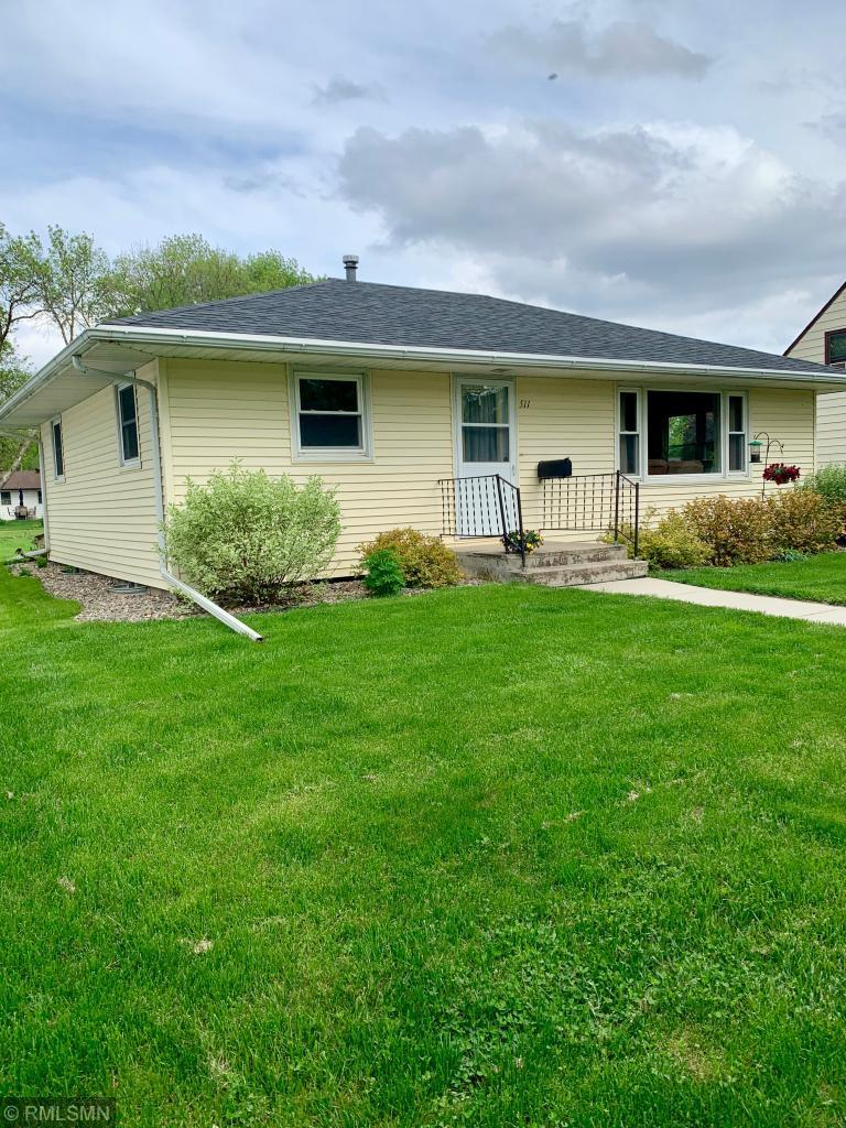 511 N Van Buren Avenue Property Photo - Springfield, MN real estate listing