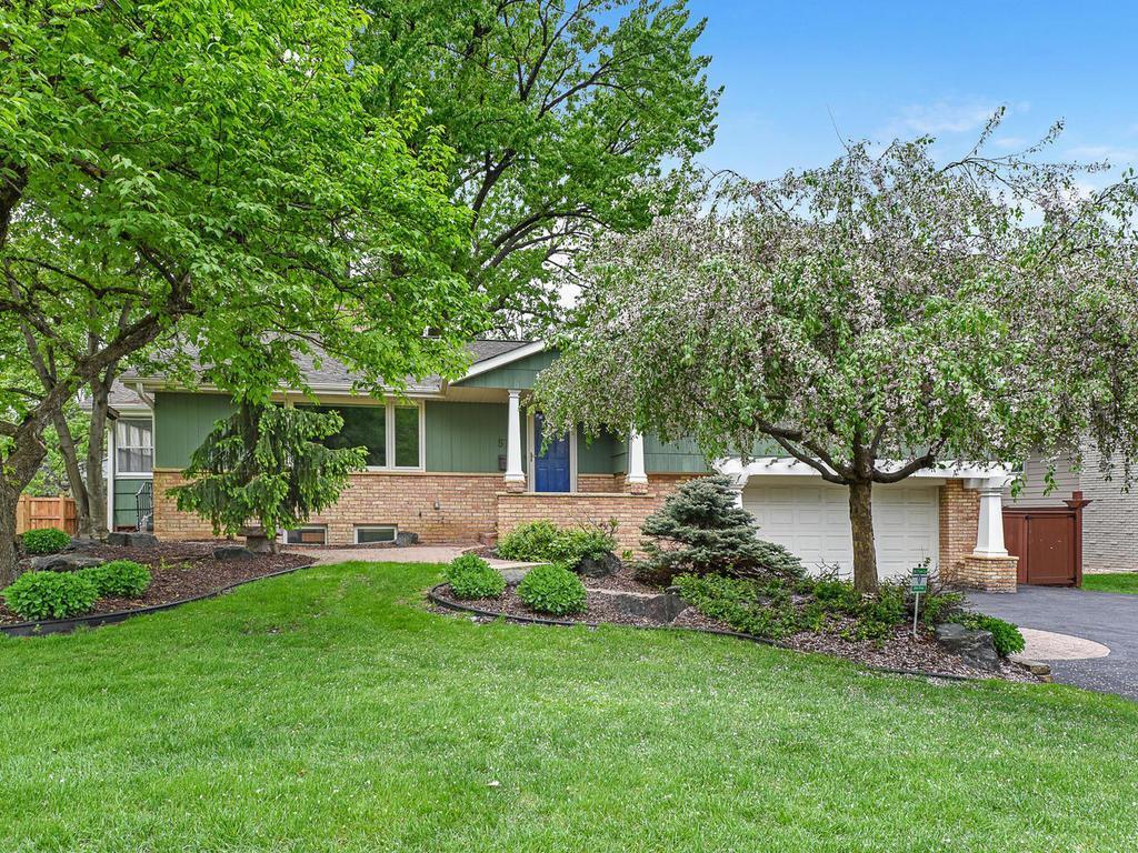 5716 Wooddale Property Photo