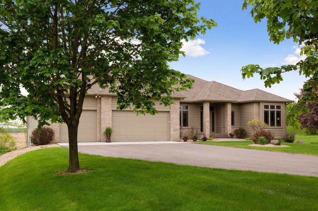 Acacia Hills Real Estate Listings Main Image