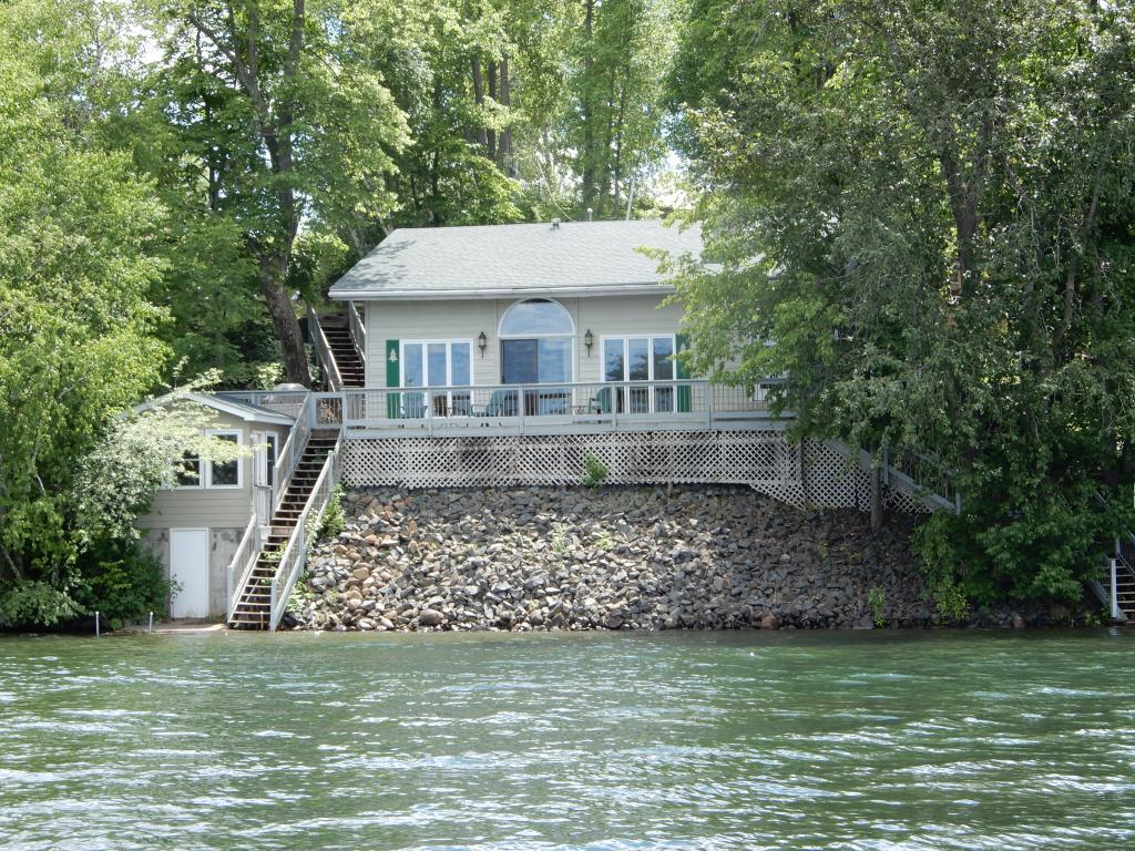 90600 Island Property Photo