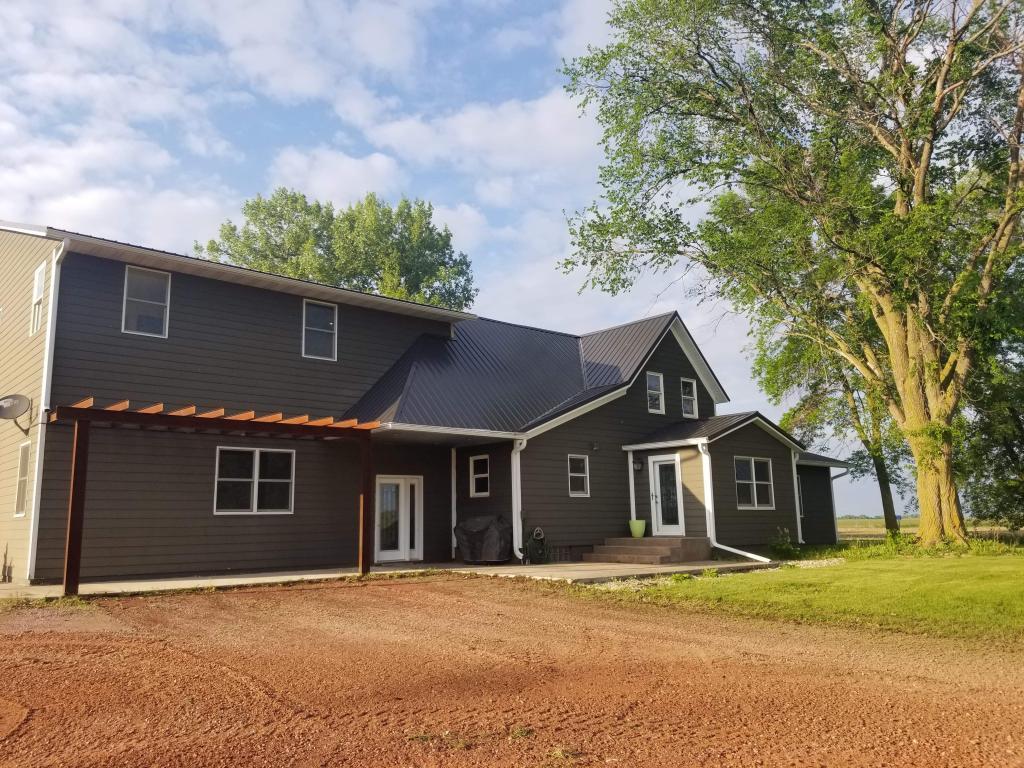 56120 Real Estate Listings Main Image