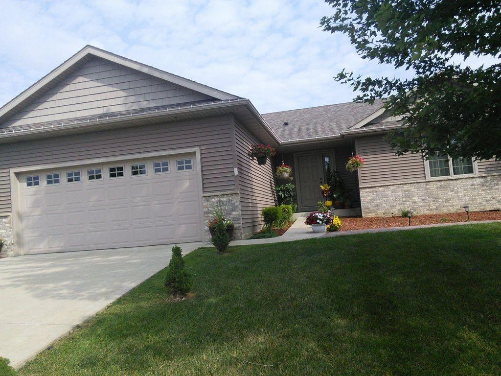 2136 Ashland NW Property Photo - Rochester, MN real estate listing