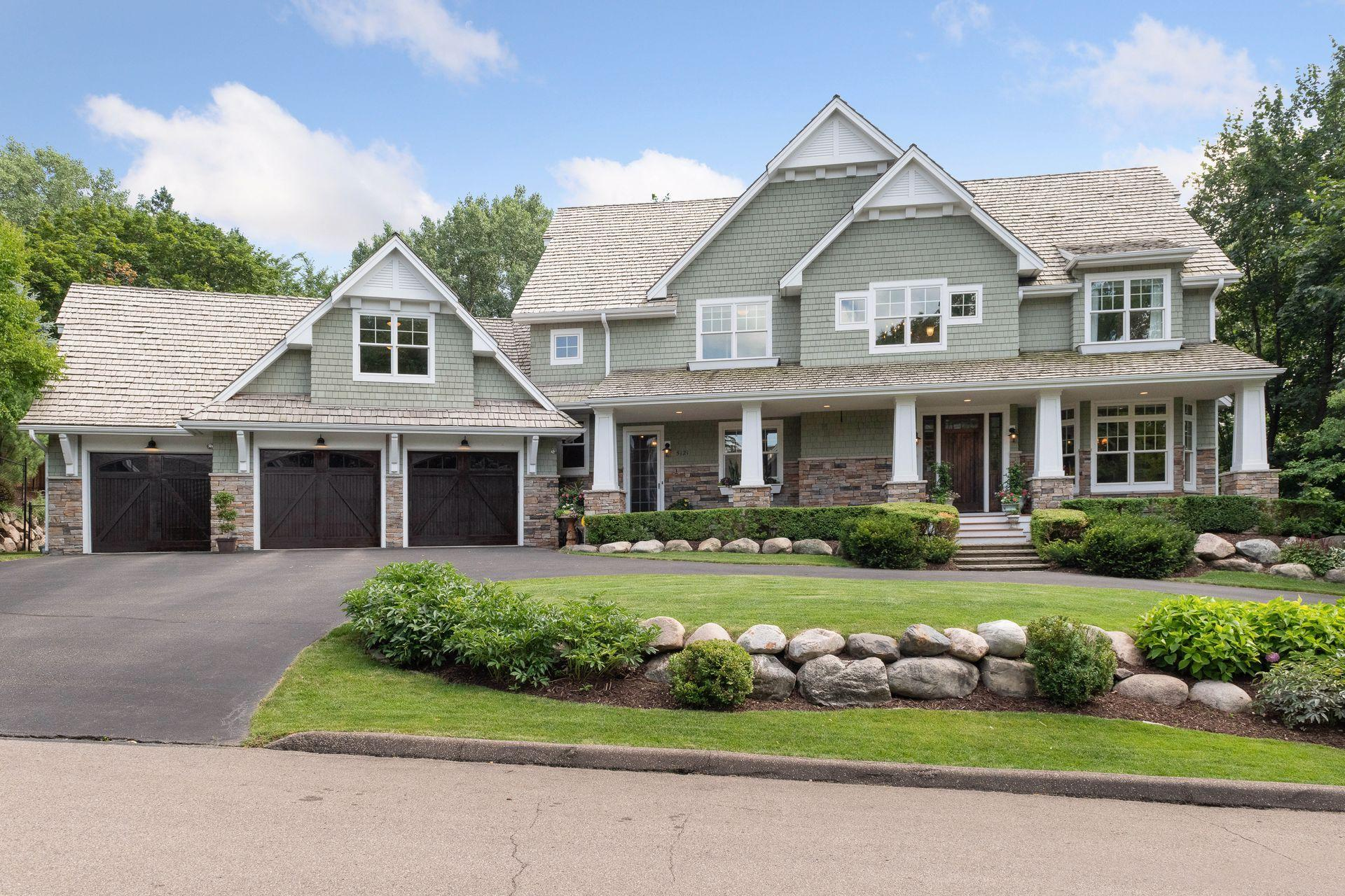 5121 Skyline Drive Property Photo - Edina, MN real estate listing