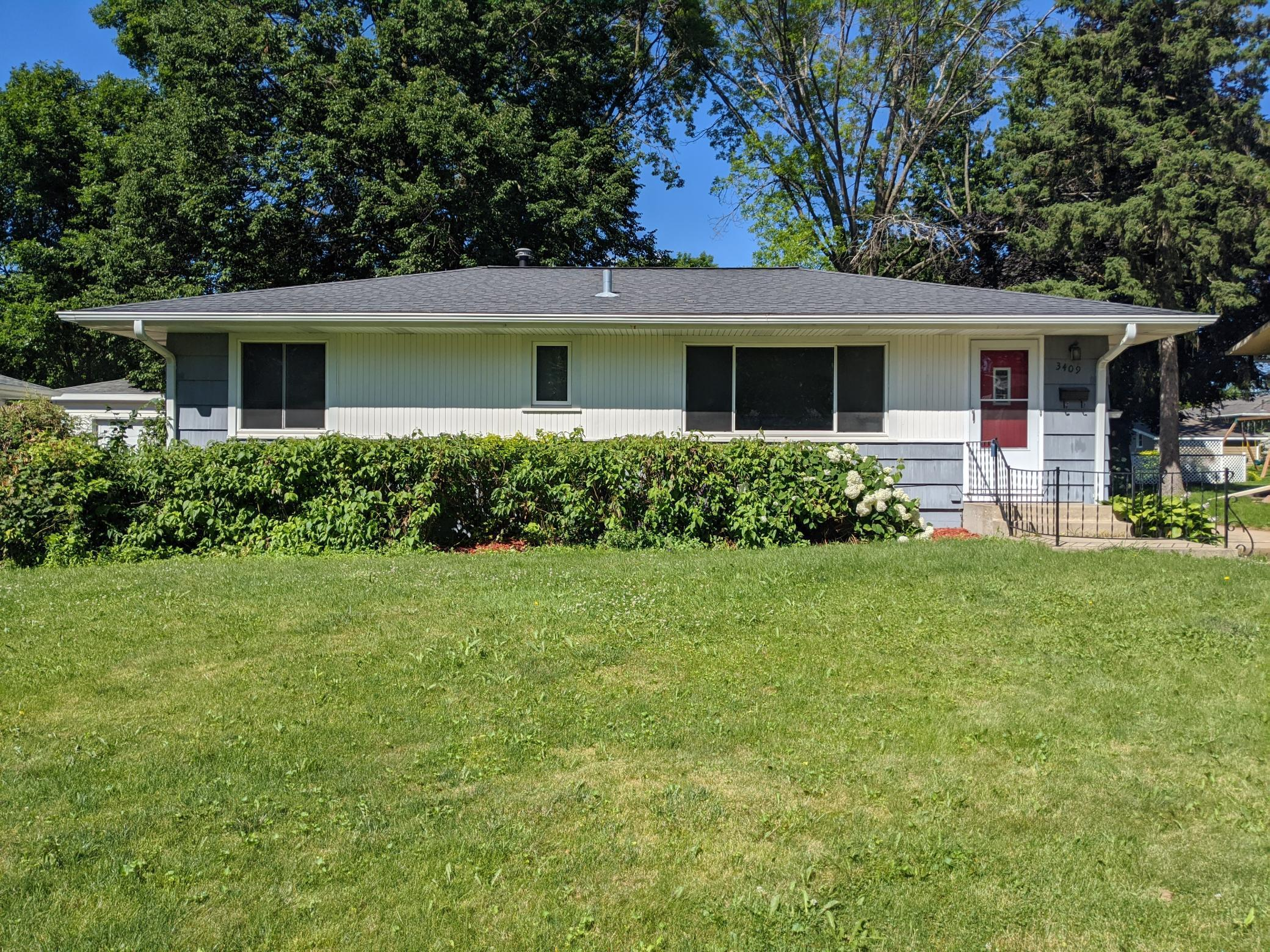 3409 20th NW Property Photo - Rochester, MN real estate listing