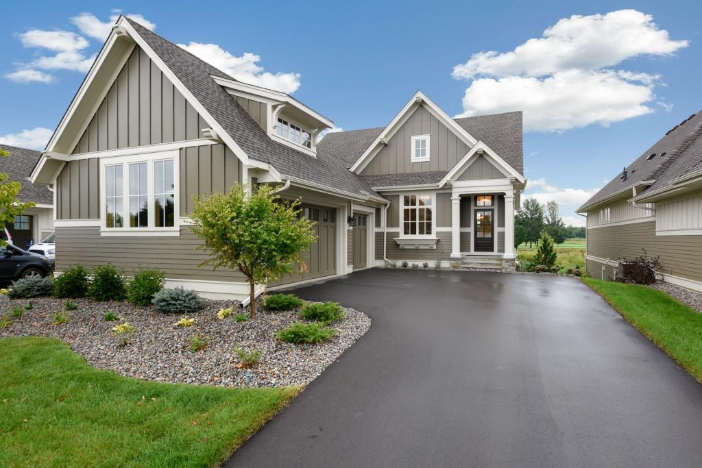 135 Lakeshore Property Photo