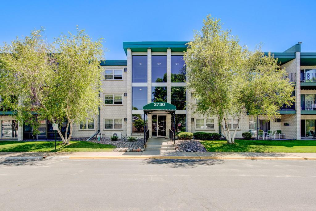 2730 Dale N #D301 Property Photo - Roseville, MN real estate listing