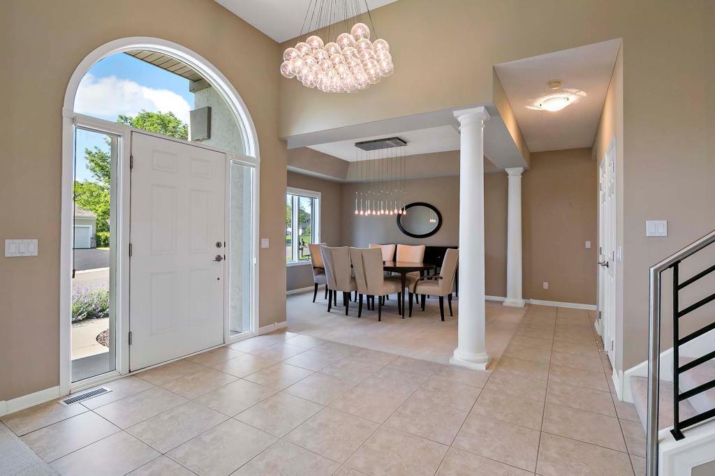 13712 Jennifer Court Property Photo - Eden Prairie, MN real estate listing