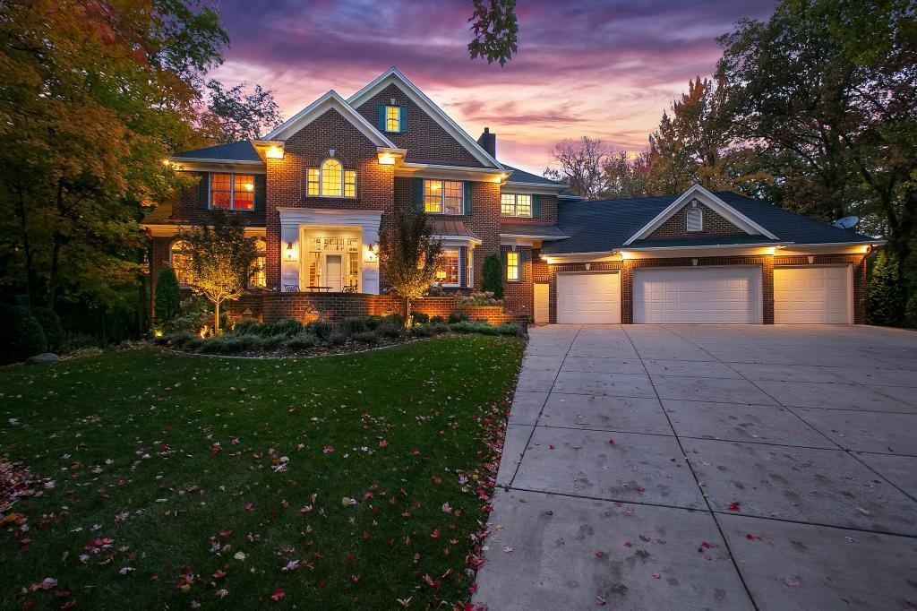 8656 Sherwood Bluff Property Photo - Eden Prairie, MN real estate listing