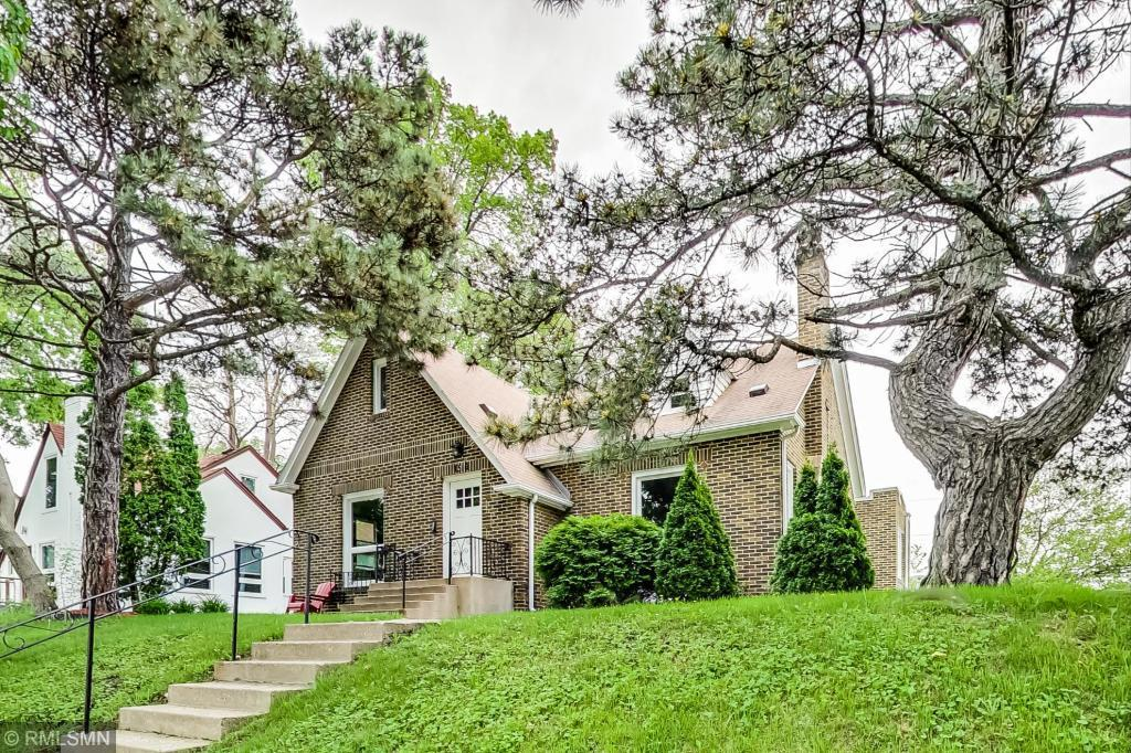 1516 Vincent N Property Photo - Minneapolis, MN real estate listing