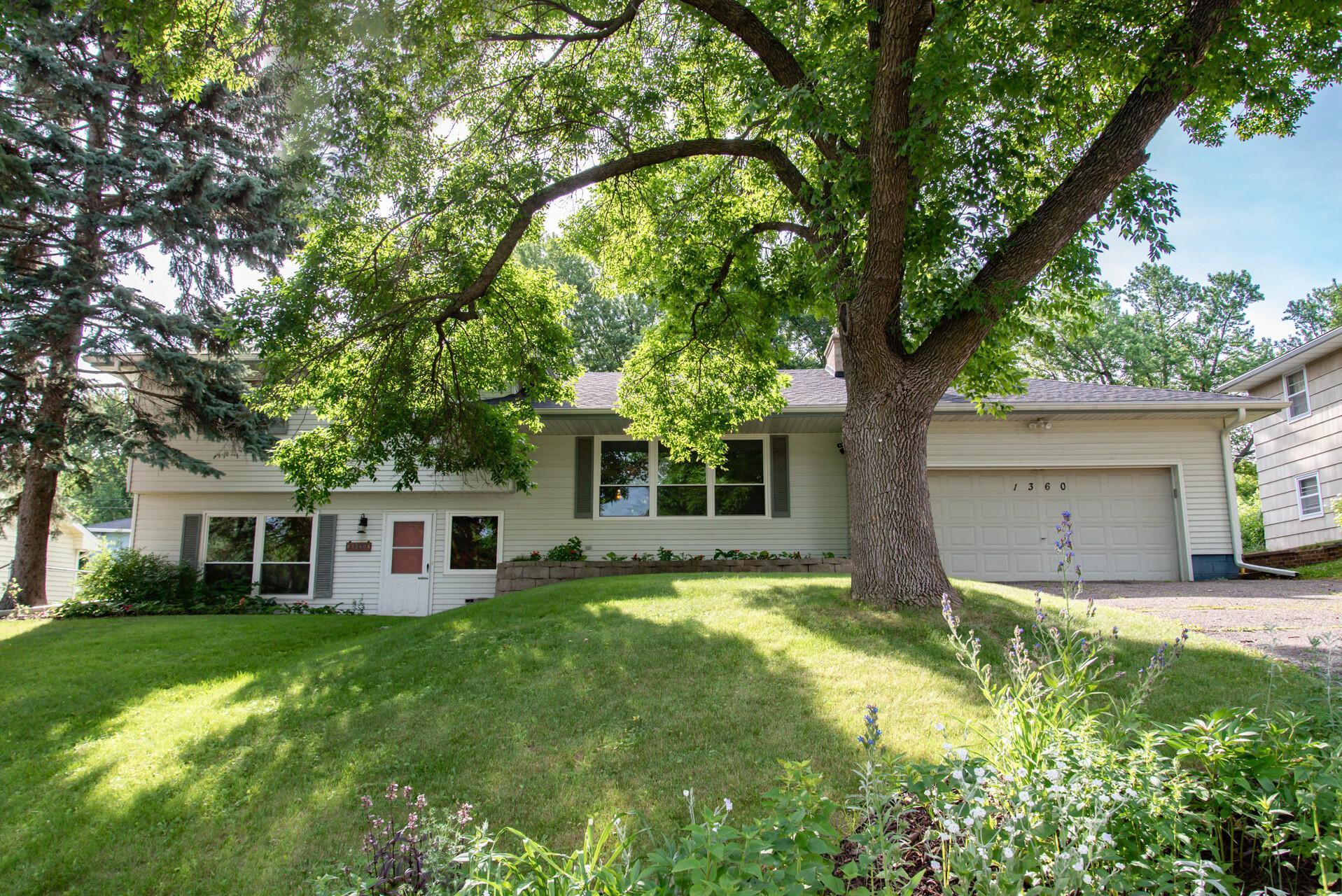 1360 Pierce NE Property Photo - Columbia Heights, MN real estate listing