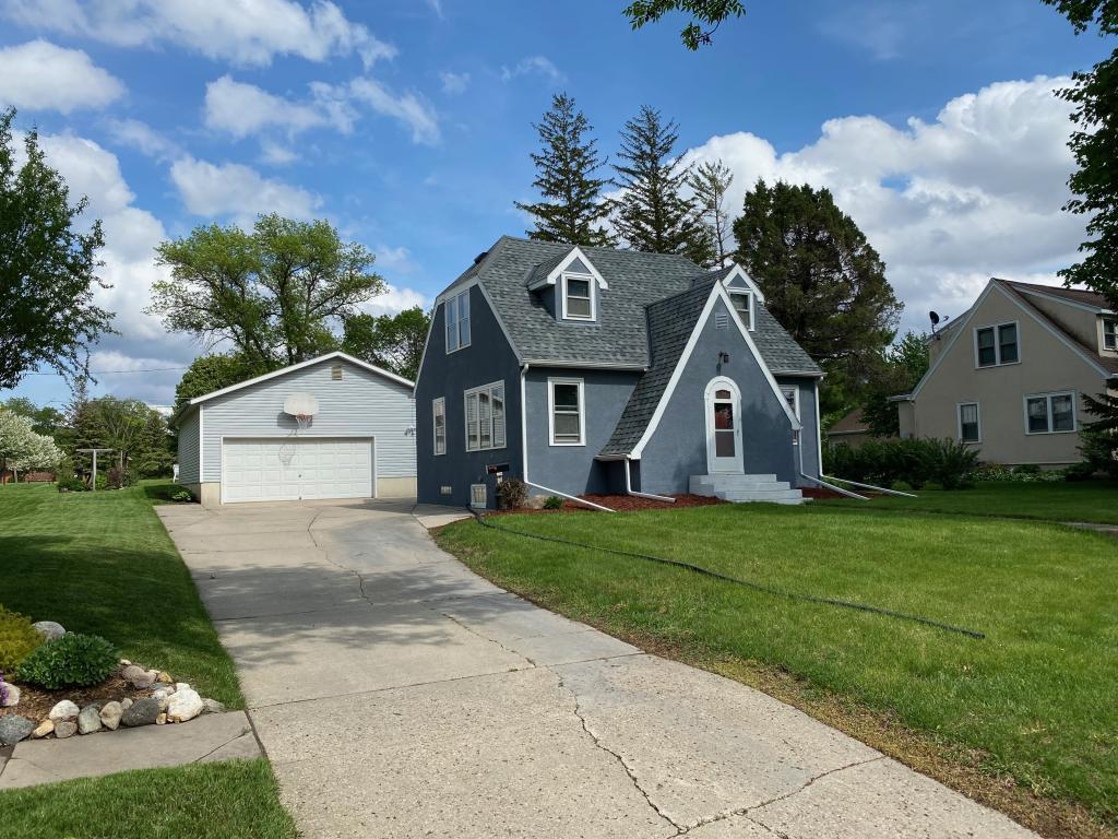 605 7th Property Photo - Olivia, MN real estate listing