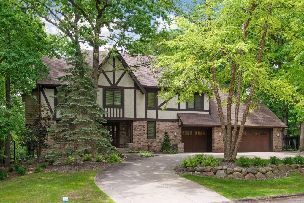 12401 Bent Tree Property Photo - Minnetonka, MN real estate listing